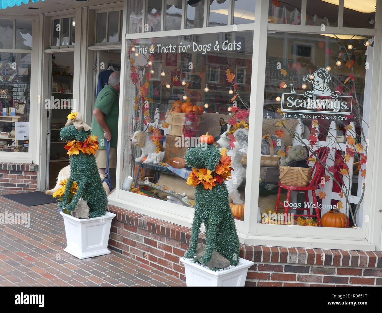 KENNYBUNKPORT,Maine,USA. One of the many attractive souvenir shops. Photo: Tony Gale - Stock Image
