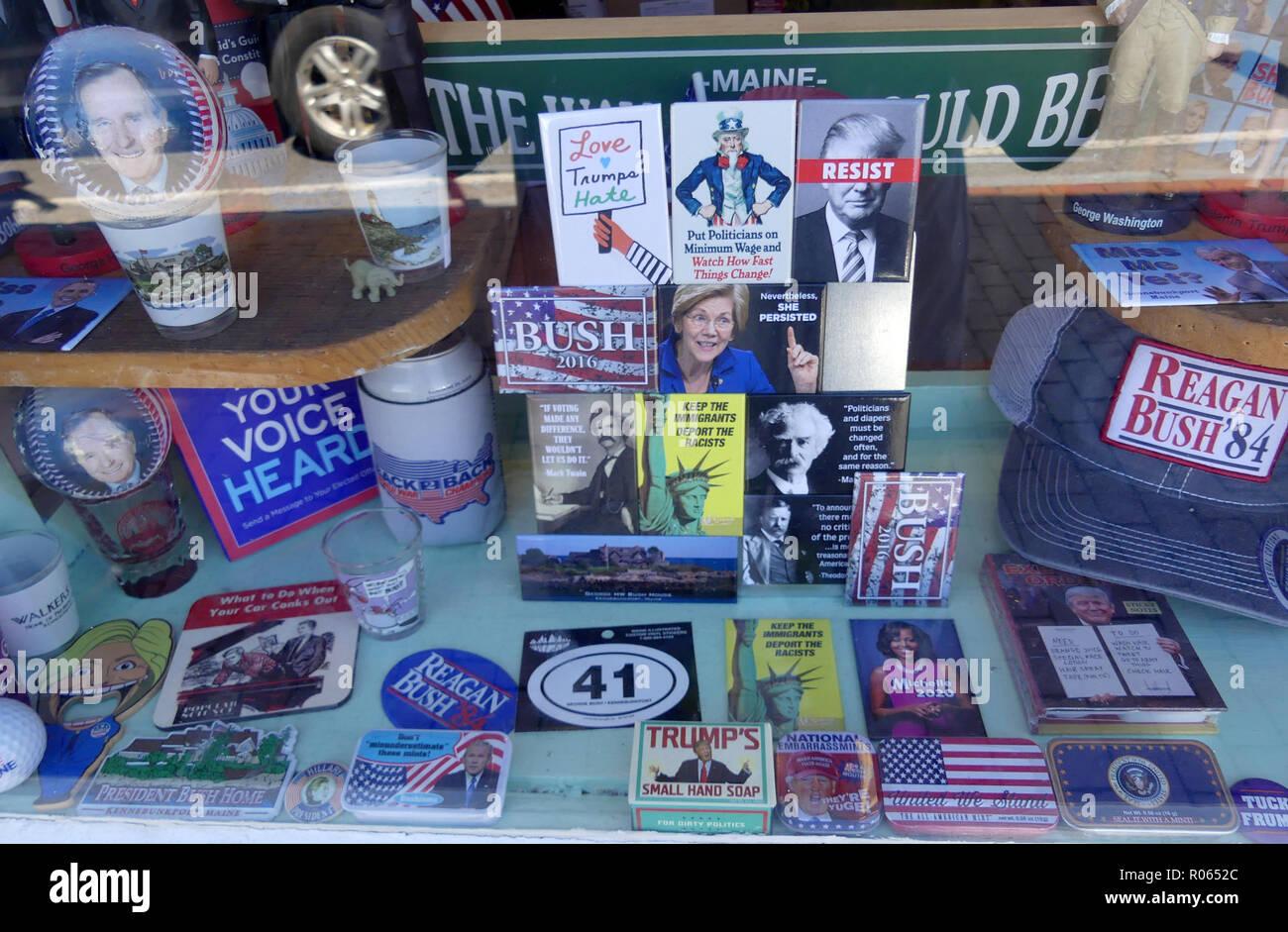 AMERICAN POLITICAL MEMORABILIA in a Washington shop window. Photo: Tony Gale - Stock Image