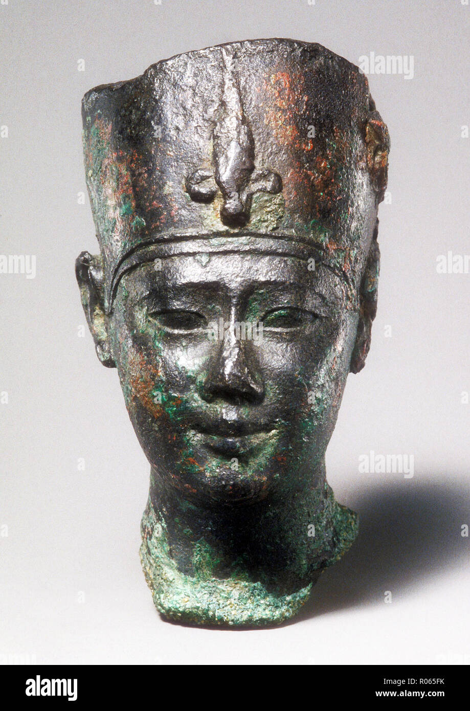 6377. Bronze bust of  Ptolemy  II. (or III.) dating c.  246-222 BC. Stock Photo