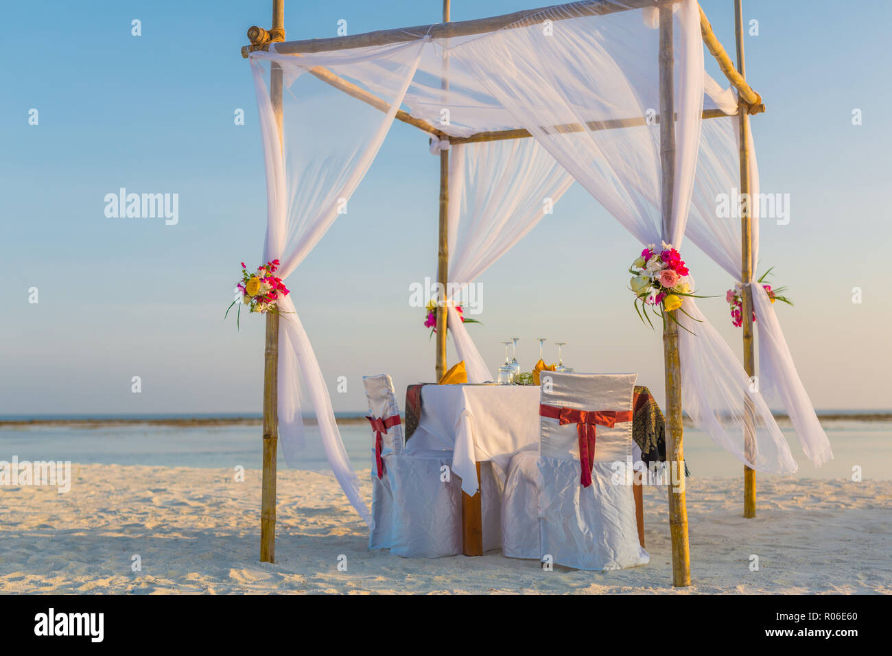 Wedding set up on the beach (vintage colour picture style ...