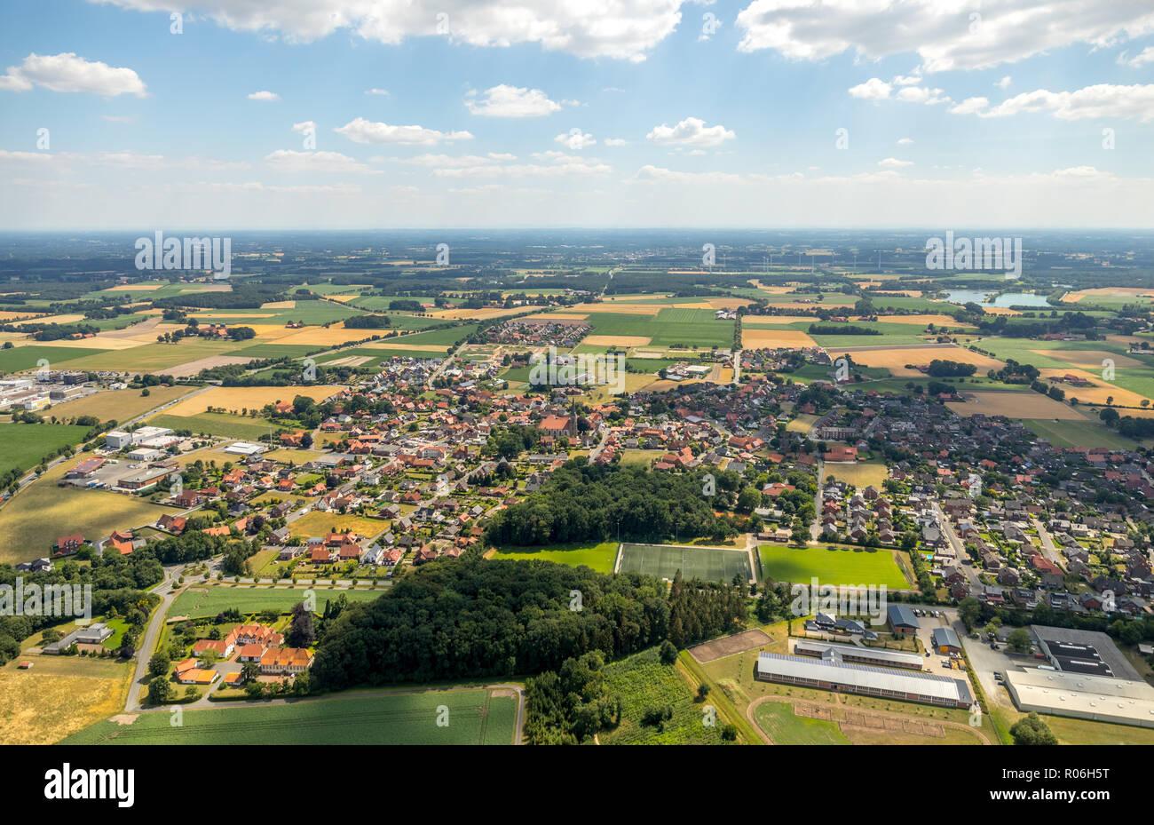 Aerial photo, overview Füchtorf, equestrian center Messerschmidt-Hahn, SC Früchtorf, sports ground, Milter Straße, Warendorf Sassenberg, Muenster, Nor - Stock Image