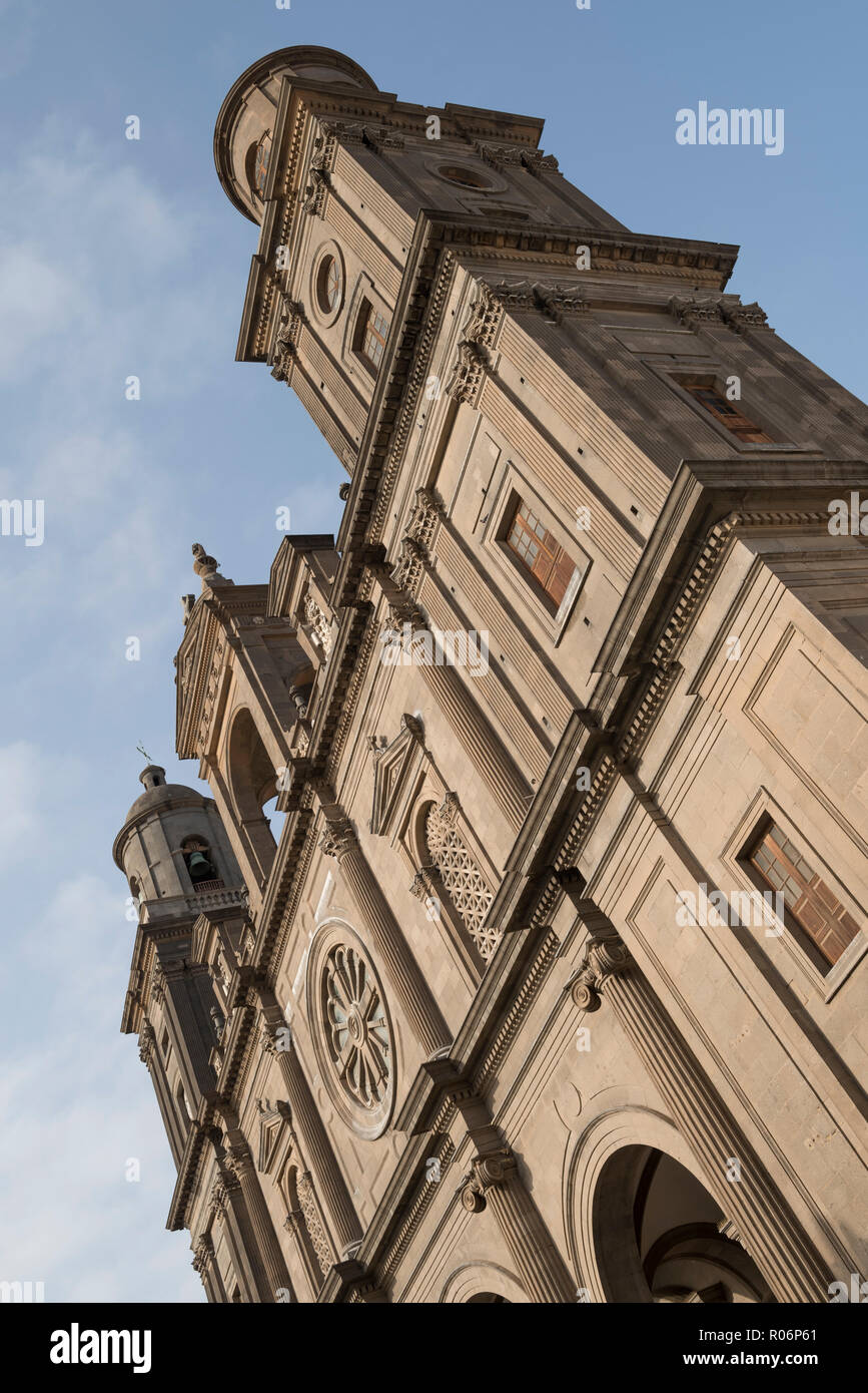 View of Santa Ana Cathedral in Vegueta, the old town of Las Palmas, Gran Canaria, Spain. - Stock Image