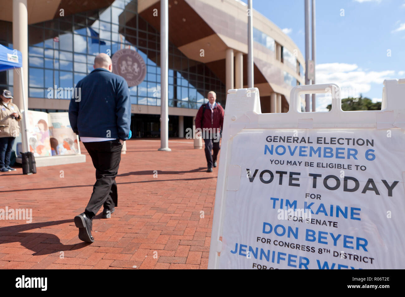 October 24th, 2018, Fairfax County, Virginia USA: Absentee voting (early voting) during midterm elections - USA - Stock Image