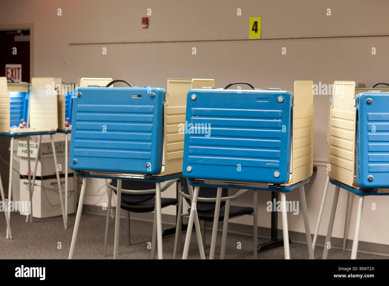 Empty voting booths during the 2018 midterm elections - Virginia, USA - Stock Image