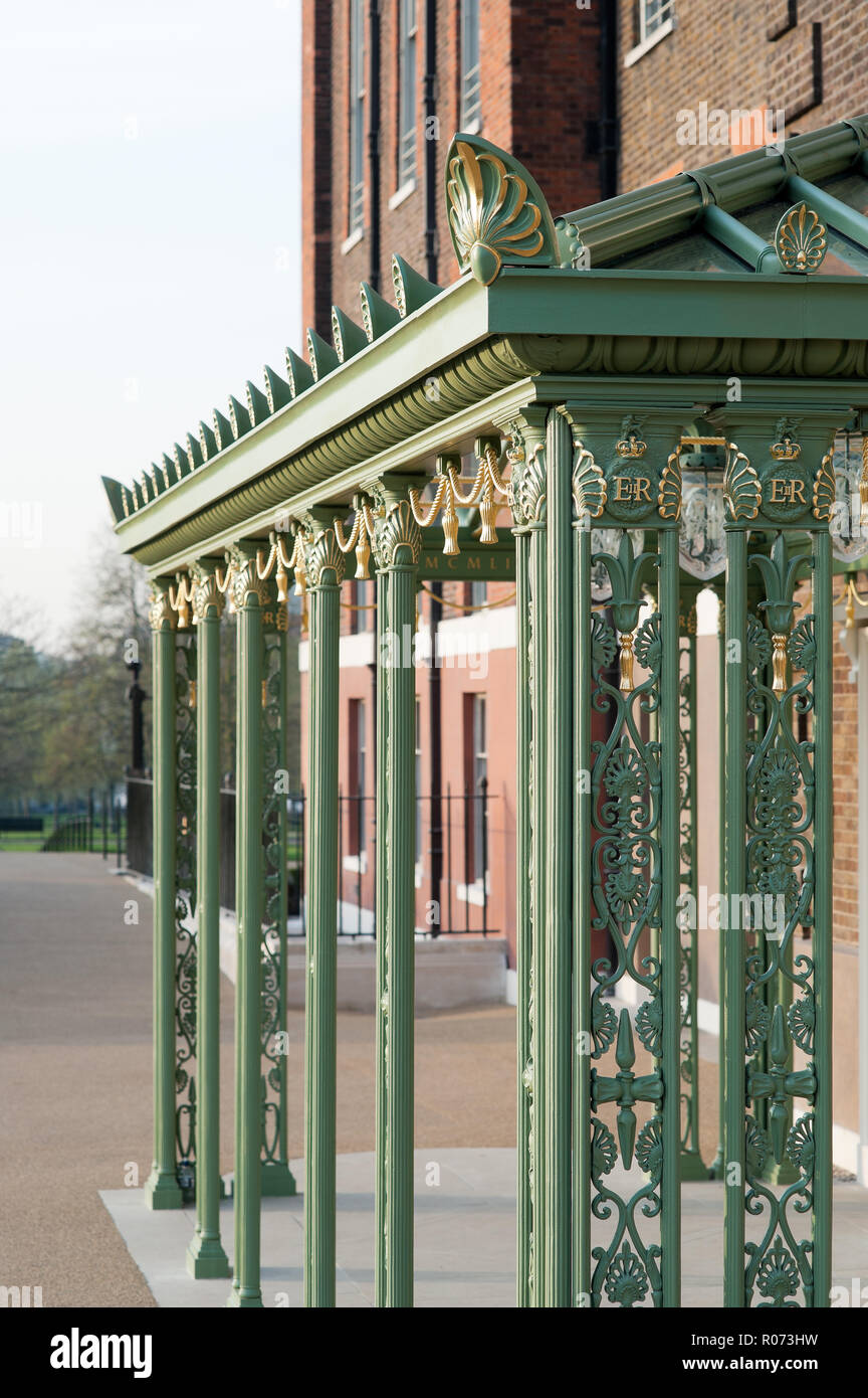 Wrought iron entrance canopy added to Kensington Palace to celebrate Queen Elizabeth II's Diamond Jubilee Stock Photo