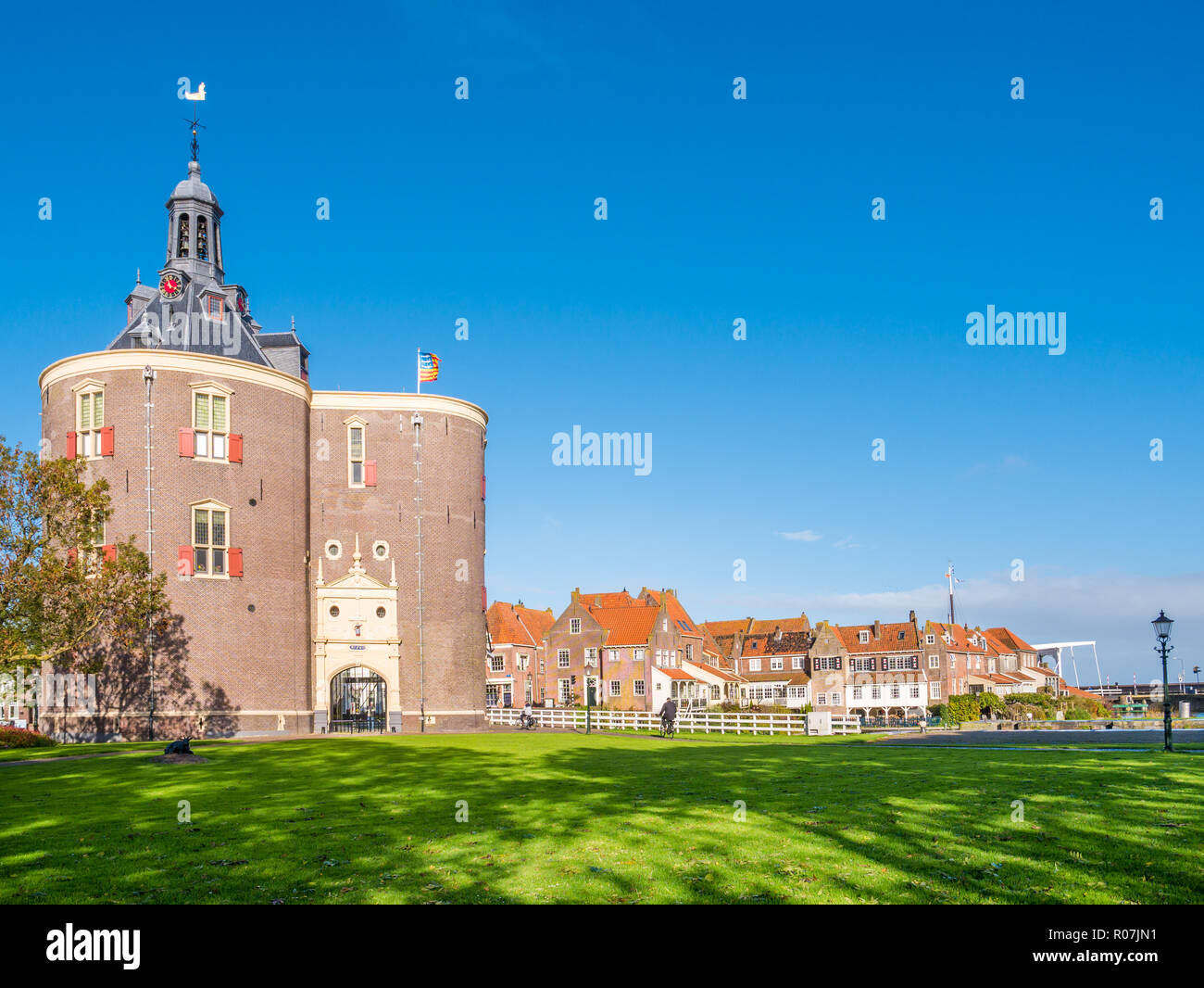 Drommedaris south city gate in harbour of Enkhuizen, North Holland, Netherlands - Stock Image