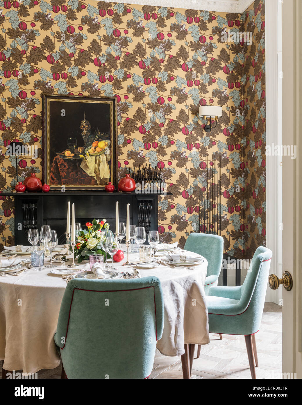 Set Table In Eclectic Dining Room Stock Photo Alamy