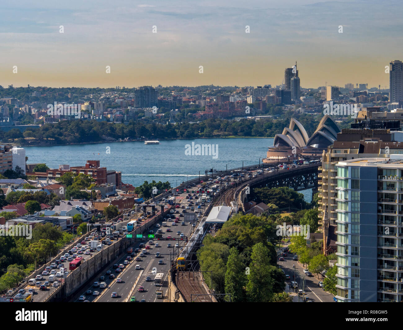 Traffic congestion on Cahill Expressway ahead of crossing Sydney Harbour Bridge, Sydney, NSW, Australia - Stock Image