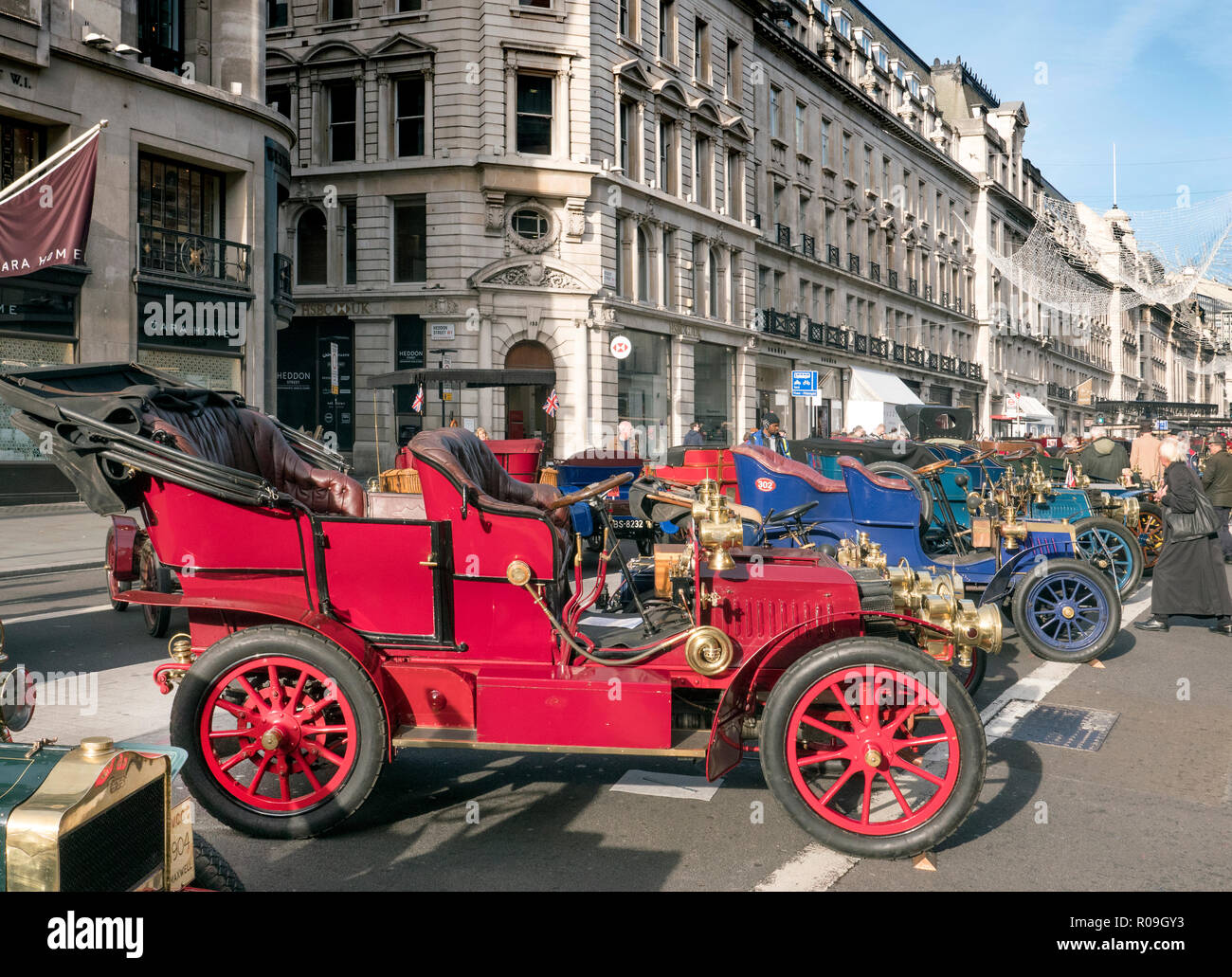 London, UK. 3 November 2018. Veteran Cars on display at the Regents Street Motor show London W1 03/11/2018 Credit: Martyn Goddard/Alamy Live News - Stock Image