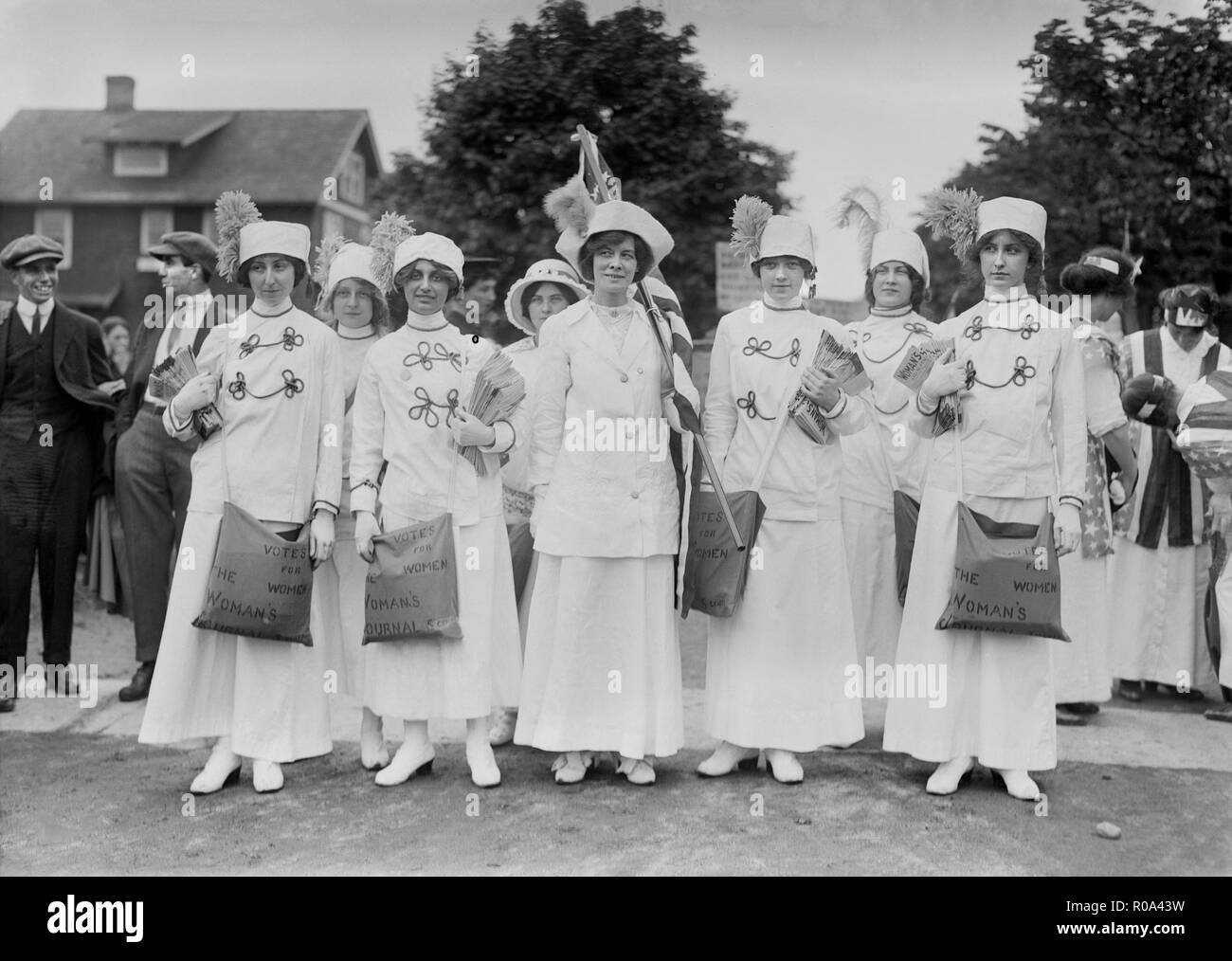 Elisabeth Freeman (center holding American flag) with Suffrage News Girls, Bains News Service, May 1913 - Stock Image