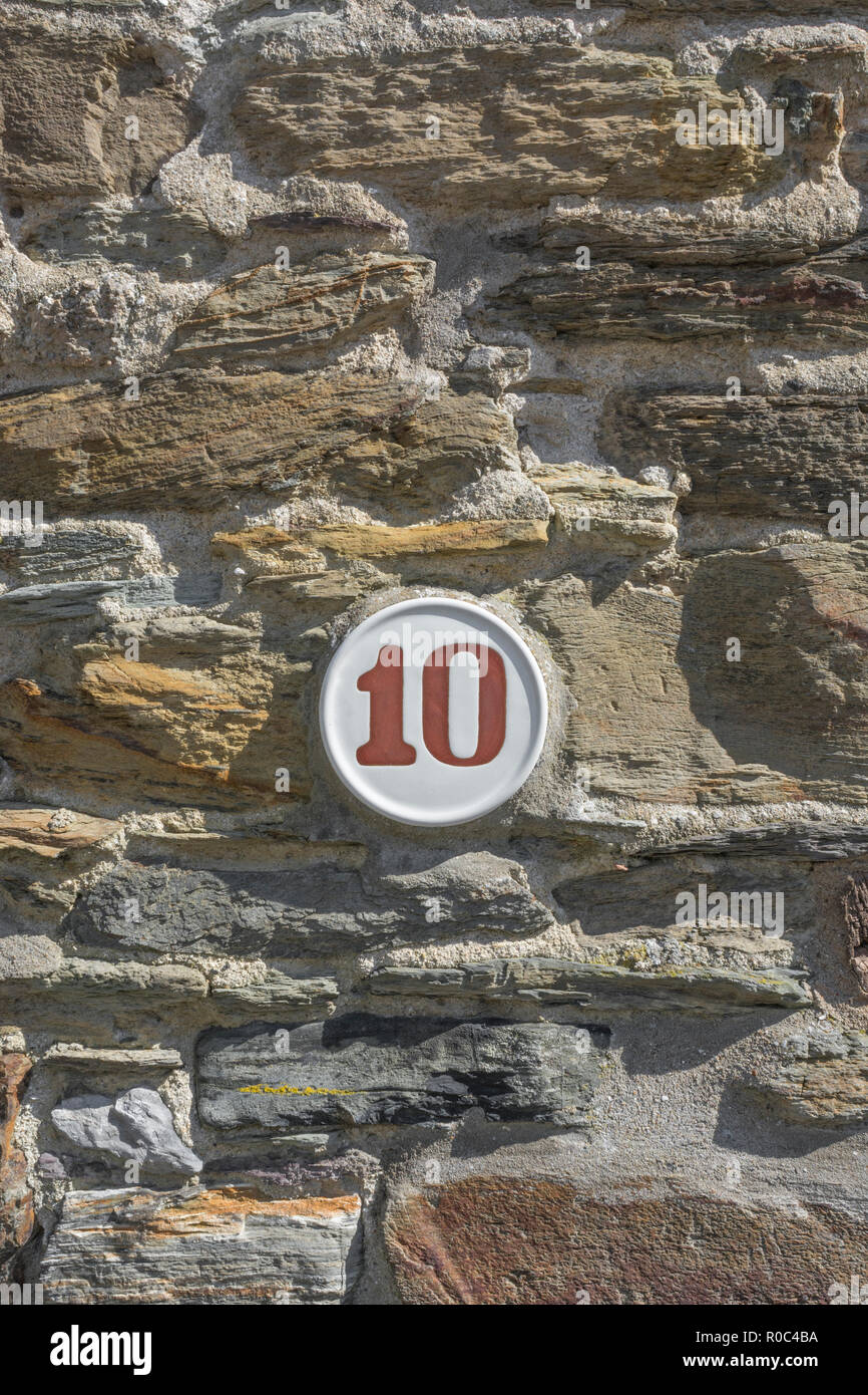 House number 10 plaque - possibly Windows 10 metaphor. Even number. - Stock Image