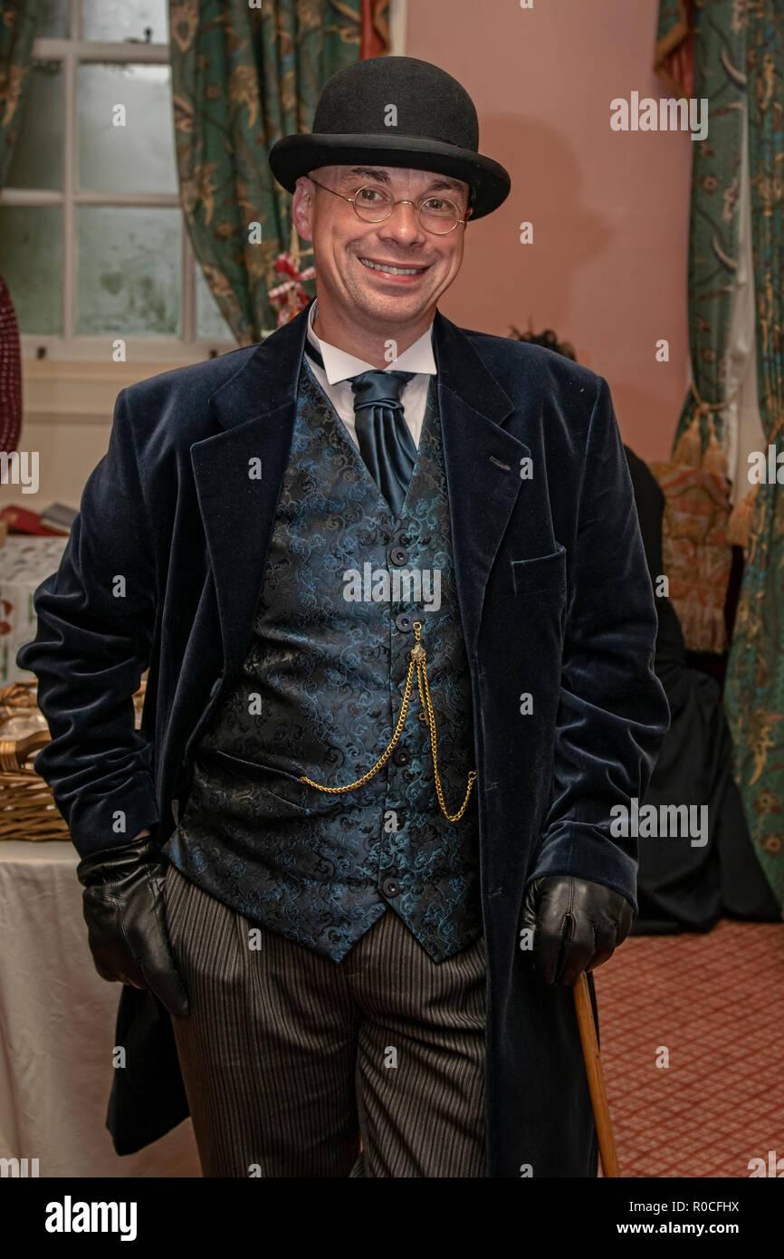 UK, Market Bosworth, Victorian Christmas Fair - December 2015: re-enactor dresses as a victorian gentlemen - Stock Image