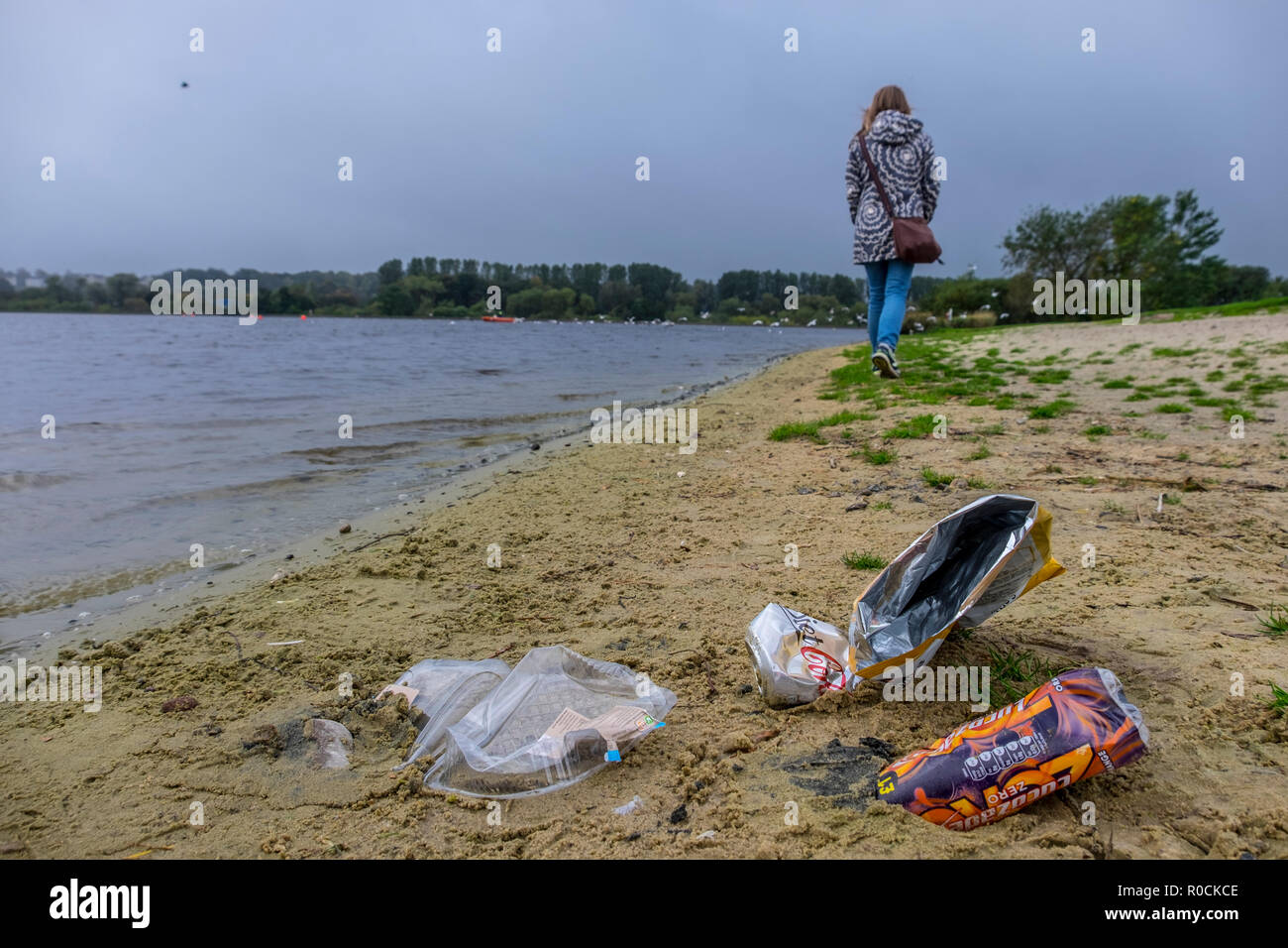 litter being dropped in scenic locations - Stock Image