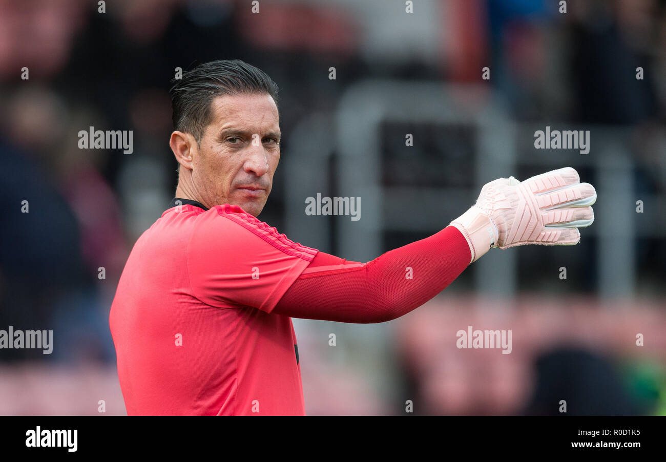 4c82d9ce0e2 Bournemouth, UK. 03rd Nov, 2018. Manchester United goalkeeping coach Emilio  Alvarez during