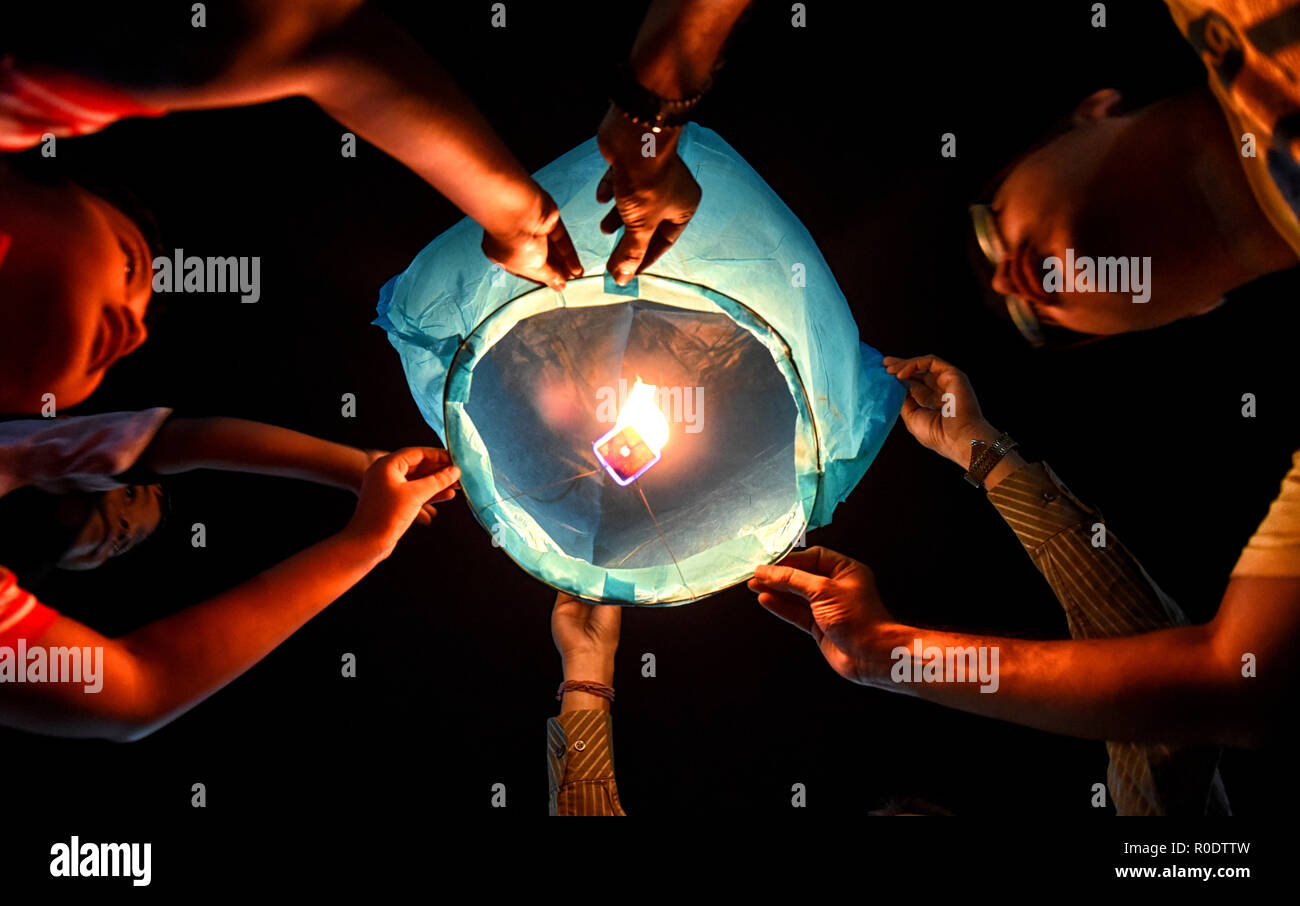 Kolkata, India. 03rd Nov, 2018. Woman Times organised Sky Lantern Festival on the occasion of Diwali Celebration with some Children from economically challenged background. Credit: Avishek Das/Pacific Press/Alamy Live News - Stock Image