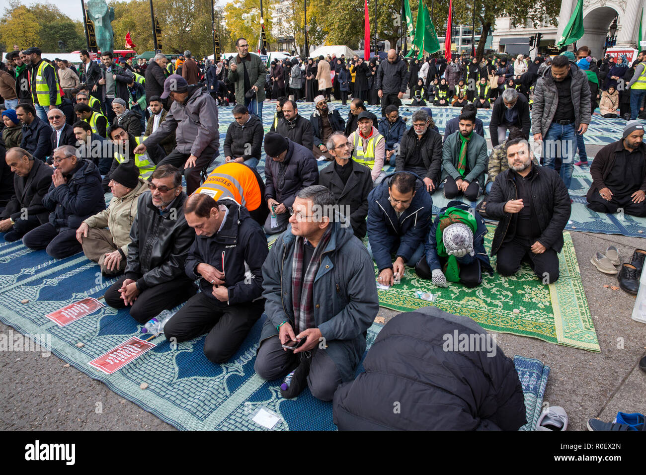 Shia Muslim Arbaeen Procession Stock Photos & Shia Muslim
