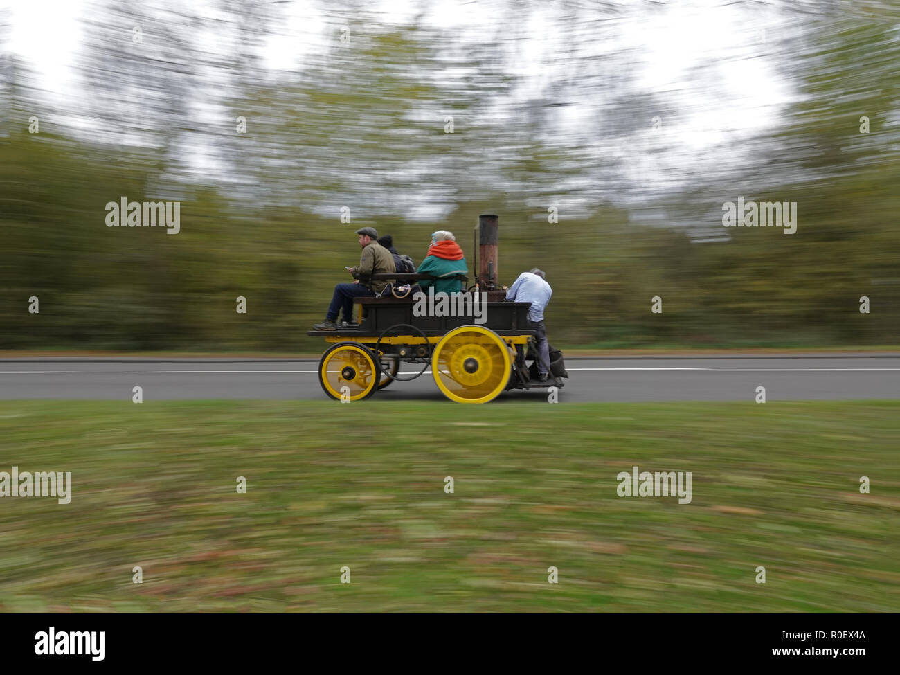A23 south of Redhill, UK, 4th November 2018 - Bonhams London to Brighton Veteran Car Run supported by Hiscox. From Hyde Park, London to Madeira Drive, Brighton. The world famous event is open to the very oldest engine and steam driven vehicles, manufactured before 1905 Credit: Andy Stehrenberger / Alamy Live News - Stock Image