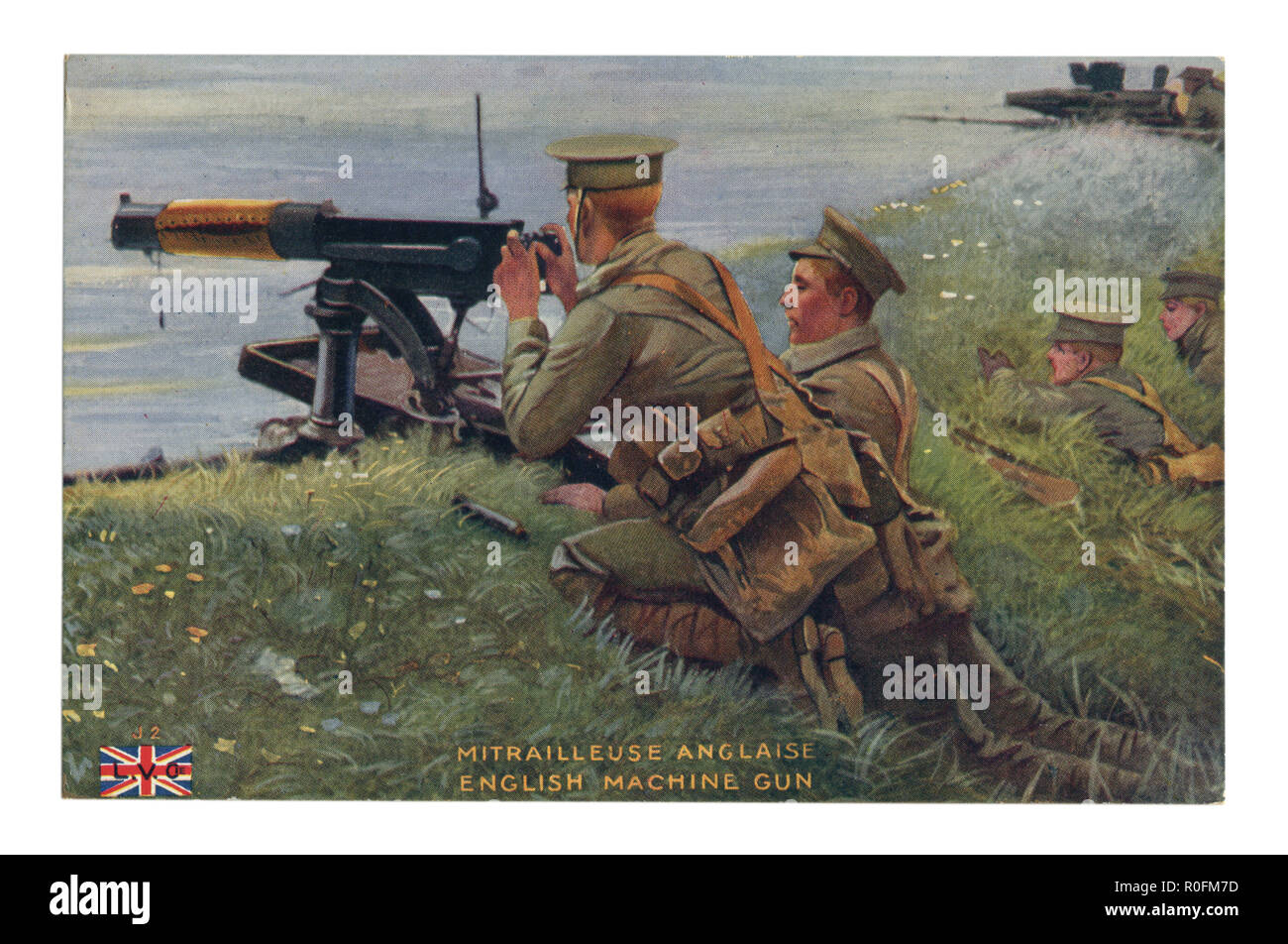 French historical postcard: British machine gun team in position. The soldiers are preparing to fire on the enemy. Waiting for the attack to begin. - Stock Image