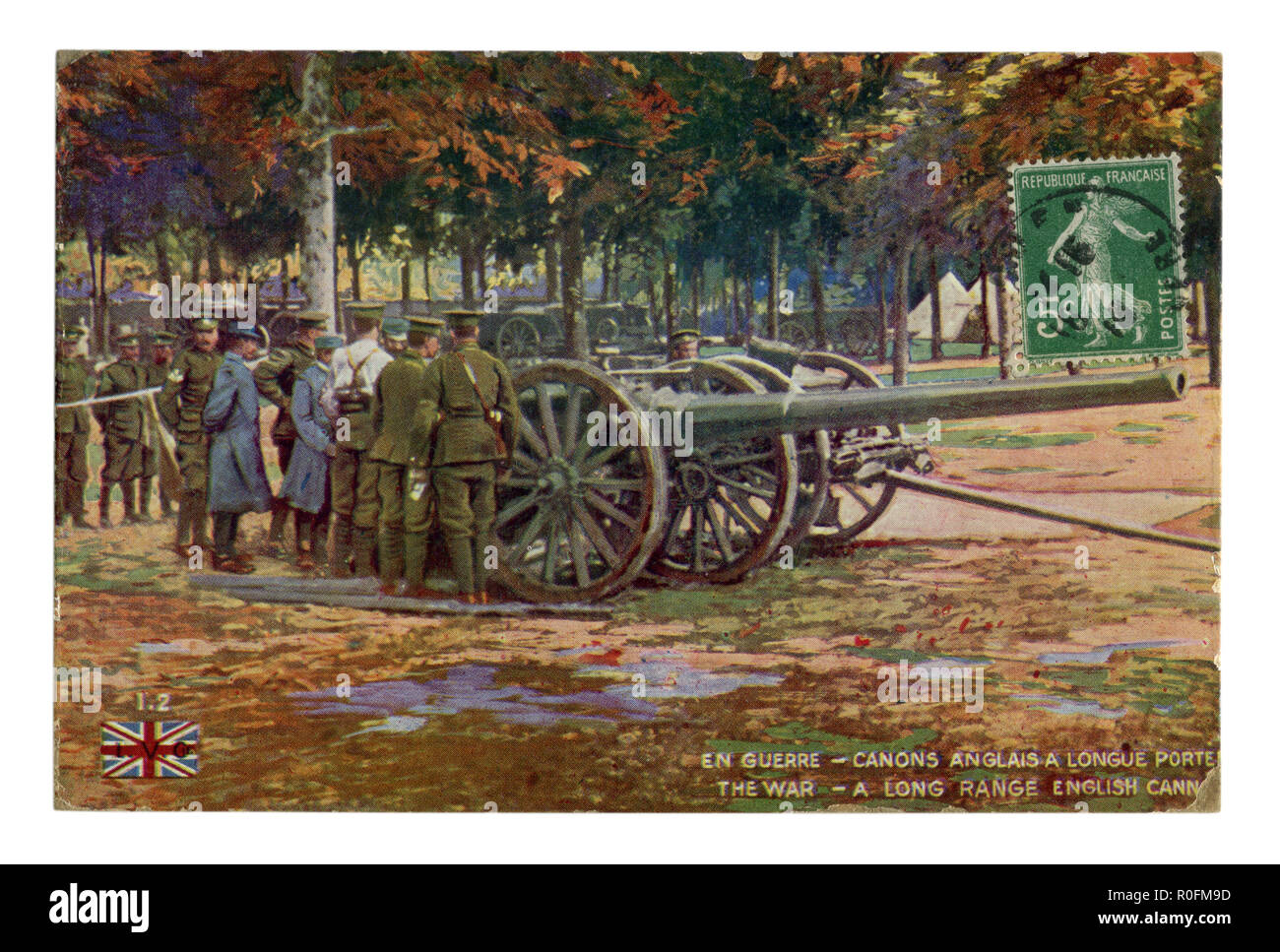 French historical postcard: a long range english cannon, british officers inspect the new weapon. Military camp in the forest. world war one 1914-1918 - Stock Image