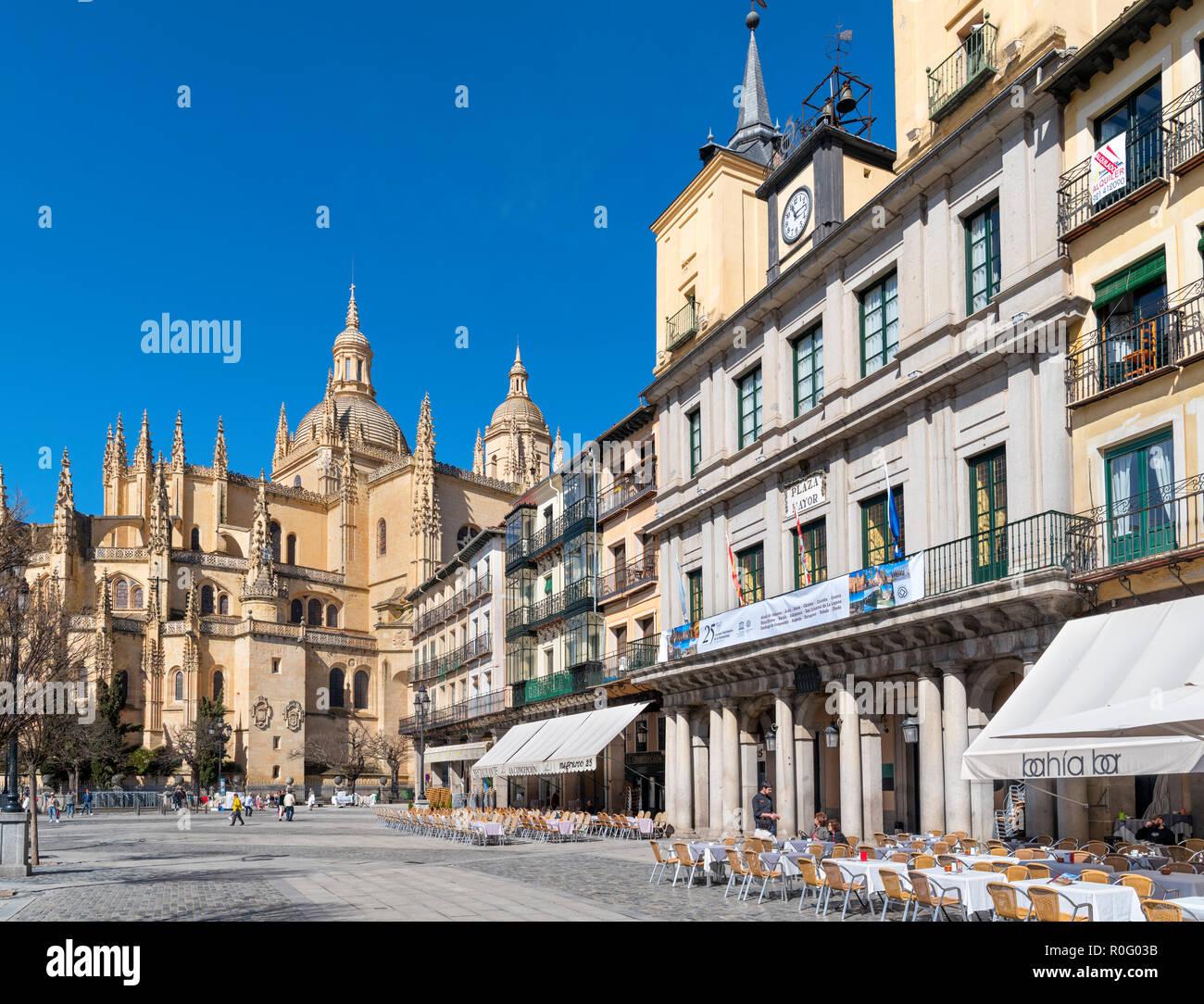 Plaza Mayor looking towards the Cathedral, Segovia, Castilla y Leon, Spain - Stock Image