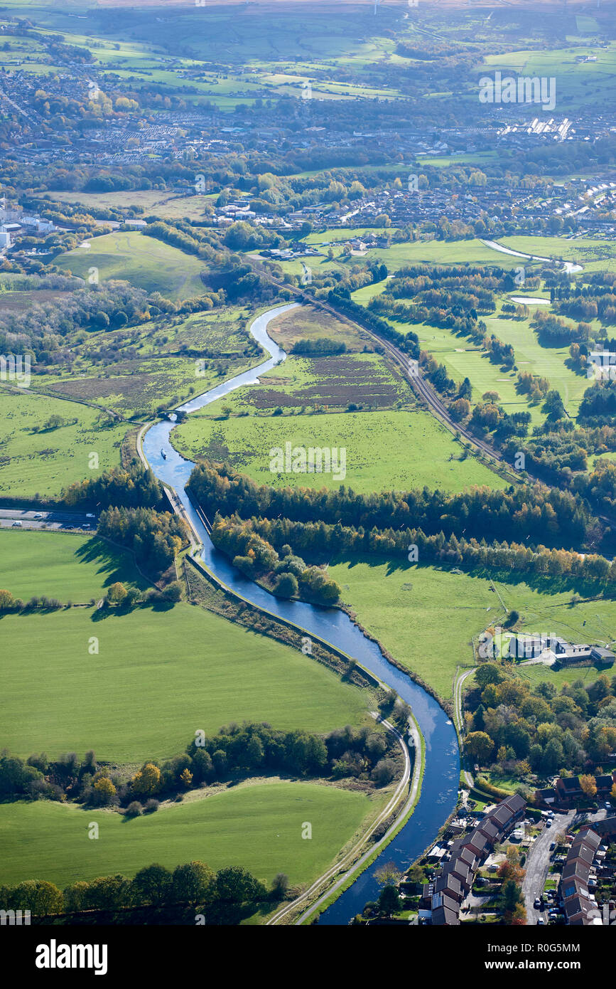 An aerial photo of the Leeds/Liverpool Canal, near Burnley, North West England, UK - Stock Image