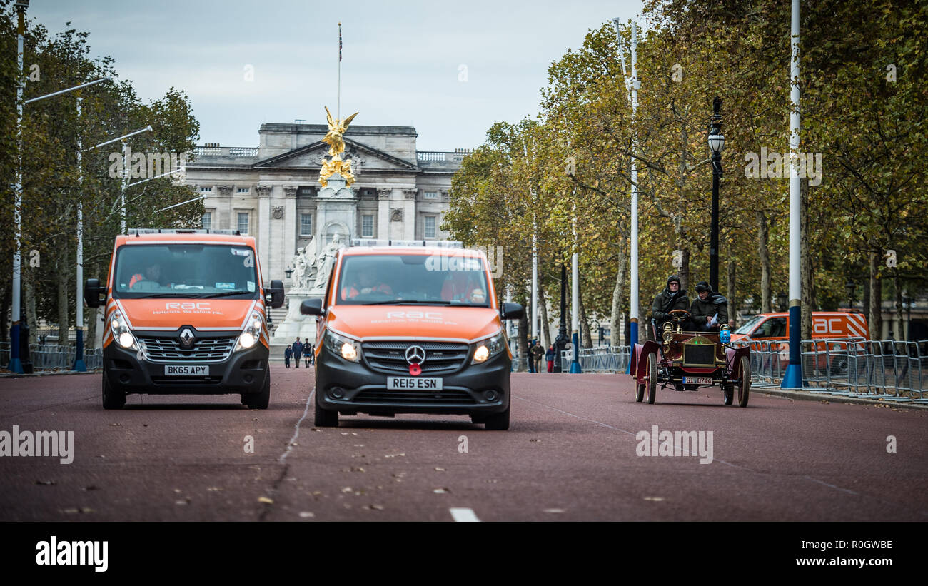 Bonhams London to Brighton Veteran Car Run 2018 at Hyde Park - Stock Image