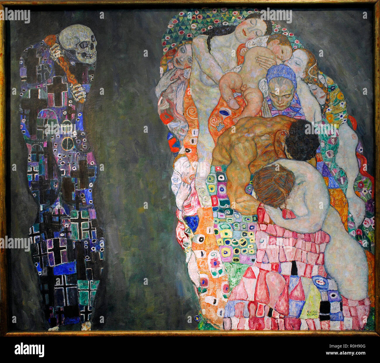 Gustav Klimt (Vienna, 1862-Vienna, 1918). Austrian symbolist painter. Member of the Vienna Secession movement. Morte e Vita 'Death and Life', 1915. Oil on canvas. 178 cm x 198 cm. Leopold Museum. Vienna. Austria. - Stock Image