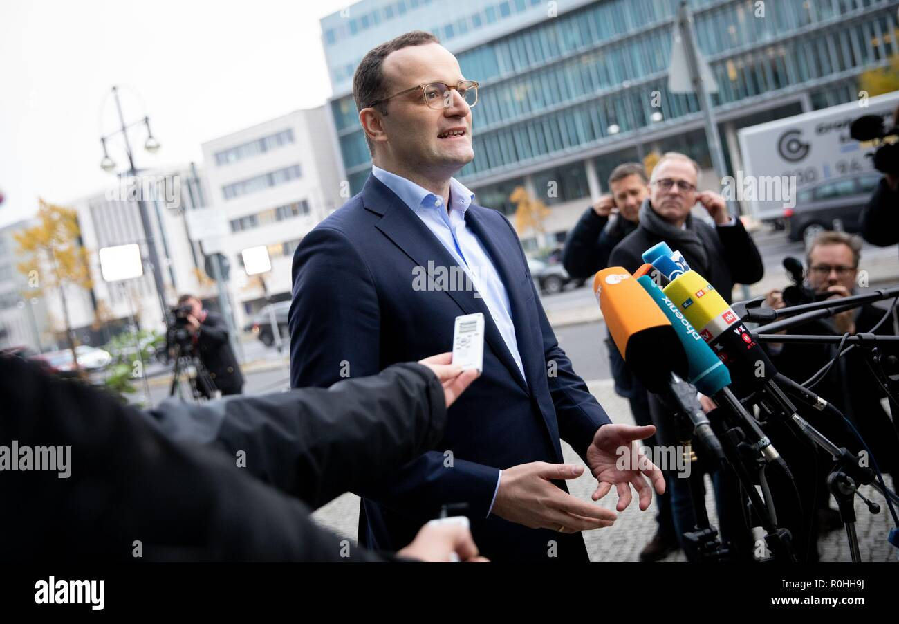 Berlin, Germany. 05th Nov, 2018. Jens Spahn (CDU), Federal Minister of Health, addresses the media representatives in front of the CDU headquarters, the Konrad Adenauer House. This is where the party leadership meets for a closed conference. Credit: Kay Nietfeld/dpa/Alamy Live News - Stock Image