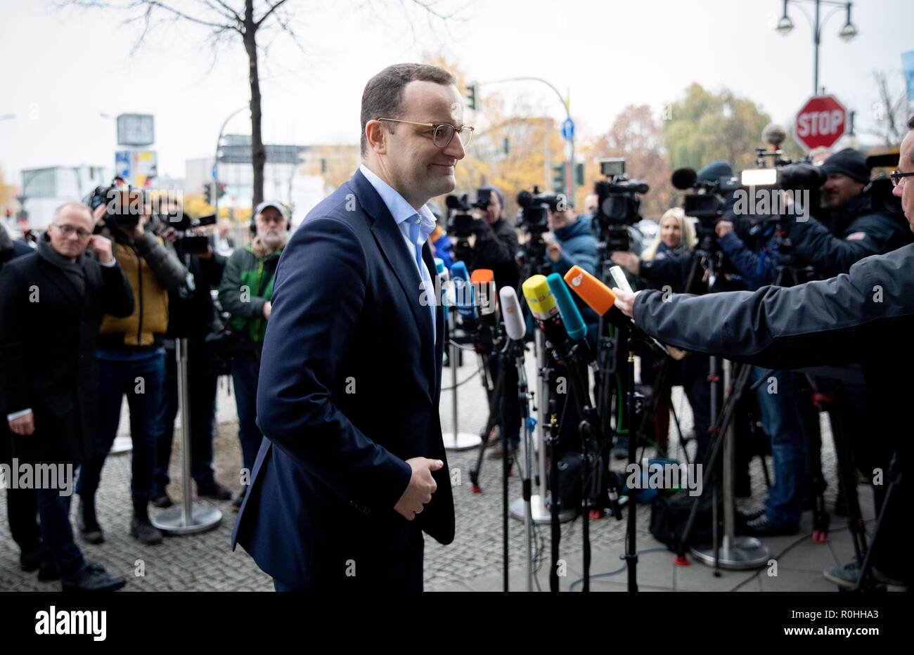 Berlin, Germany. 05th Nov, 2018. Jens Spahn (CDU), Federal Minister of Health, comes to the CDU headquarters, the Konrad Adenauer House. This is where the party leadership meets for a closed conference. Credit: Kay Nietfeld/dpa/Alamy Live News - Stock Image