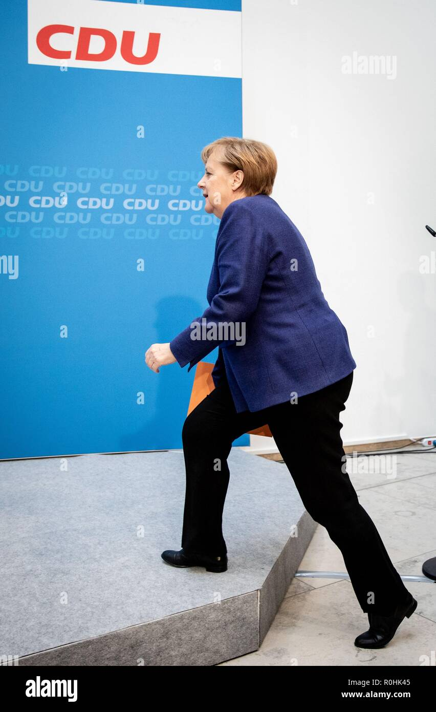Berlin, Germany. 05th Nov, 2018. Chancellor Angela Merkel (CDU) is coming to the press conference at the CDU headquarters, in the Konrad-Adenauer-Haus. The topic was the results of the CDU retreat. Credit: Kay Nietfeld/dpa/Alamy Live News - Stock Image