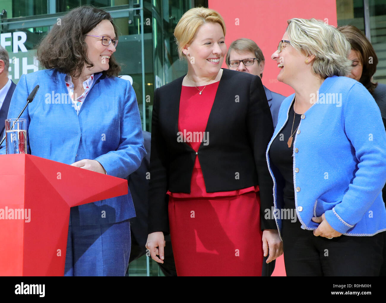 Berlin, Germany. 05th Nov, 2018. Andrea Nahles (l-r), chairwoman of the SPD, will speak after the meeting of the SPD executive board at a press conference in the Willy Brandt House at the end of the closed meeting of the SPD federal leadership. In addition to her, Franziska Giffey, Federal Minister for Family Affairs, Ralf Stegner, Deputy Chairman, Svenja Schulze, Federal Minister for the Environment, and Aydan Özoguz, member of the Executive Committee. Credit: Wolfgang Kumm/dpa/Alamy Live News - Stock Image