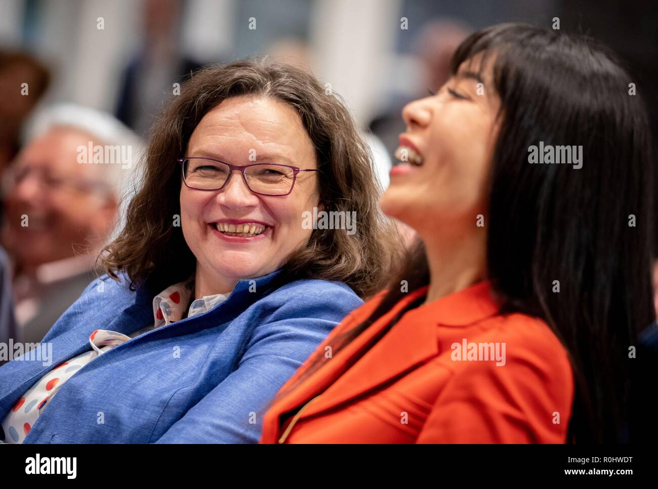 Berlin, Germany. 05th Nov, 2018. Andrea Nahles (l), parliamentary party leader of the SPD and SPD party leader, and Schröder-Kim So-yeon take part in the panel discussion: The 'red-green project' for the 20th anniversary of Gerhard Schröder's election as Chancellor in the Friedrich-Ebert-Stiftung. Credit: Kay Nietfeld/dpa/Alamy Live News - Stock Image