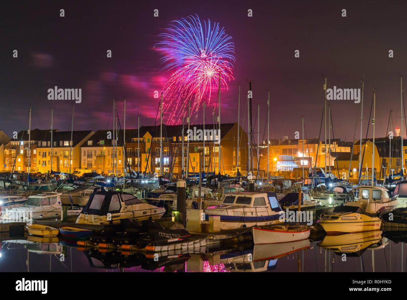 Weymouth Dorset UK 5th November 2018 Exploding Fireworks Light Up The Night