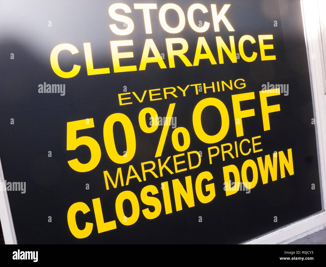 Store Closing Down Sign, Kings Road, Chelsea - Stock Image