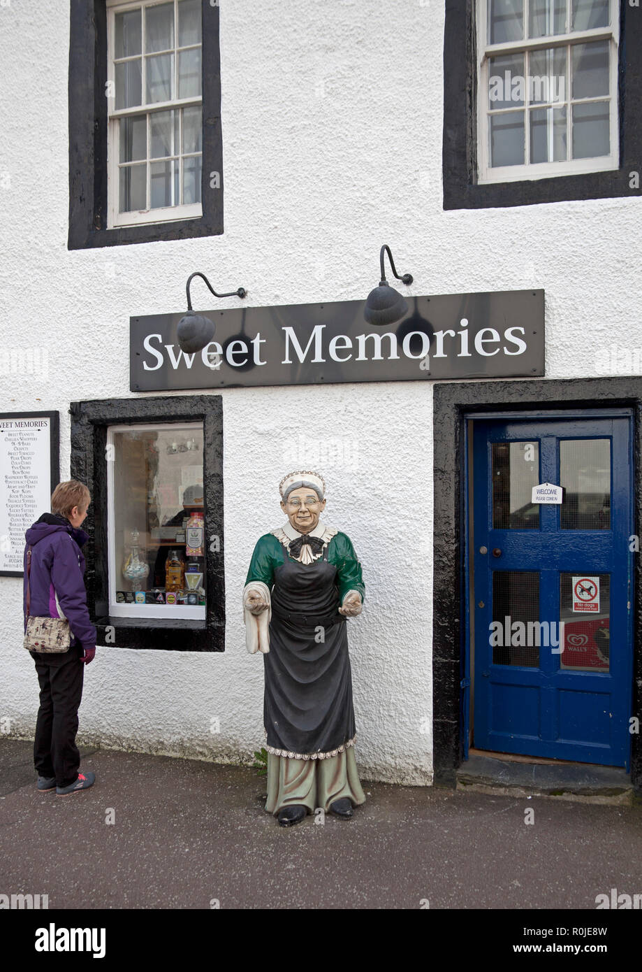 Sweet Memories sweet confectionery shop, Inverary, Argyll and Bute, Scotland, UK - Stock Image