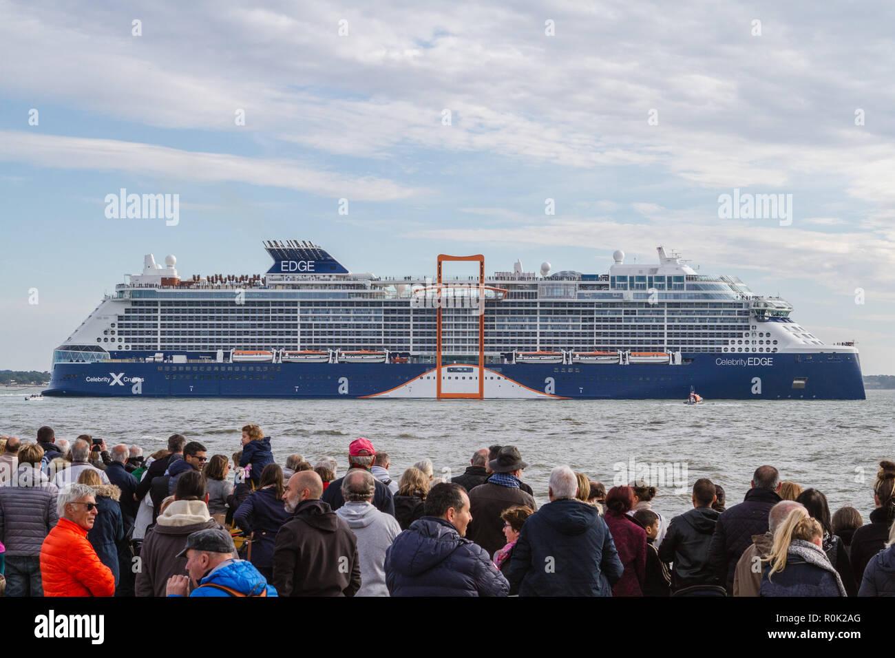 Le paquebot Celebrity Edge, un gigantesque navire de 300 mètres de long et 39 m de large construit par les Chantiers de l'Atlantique, a quitté Saint-N - Stock Image