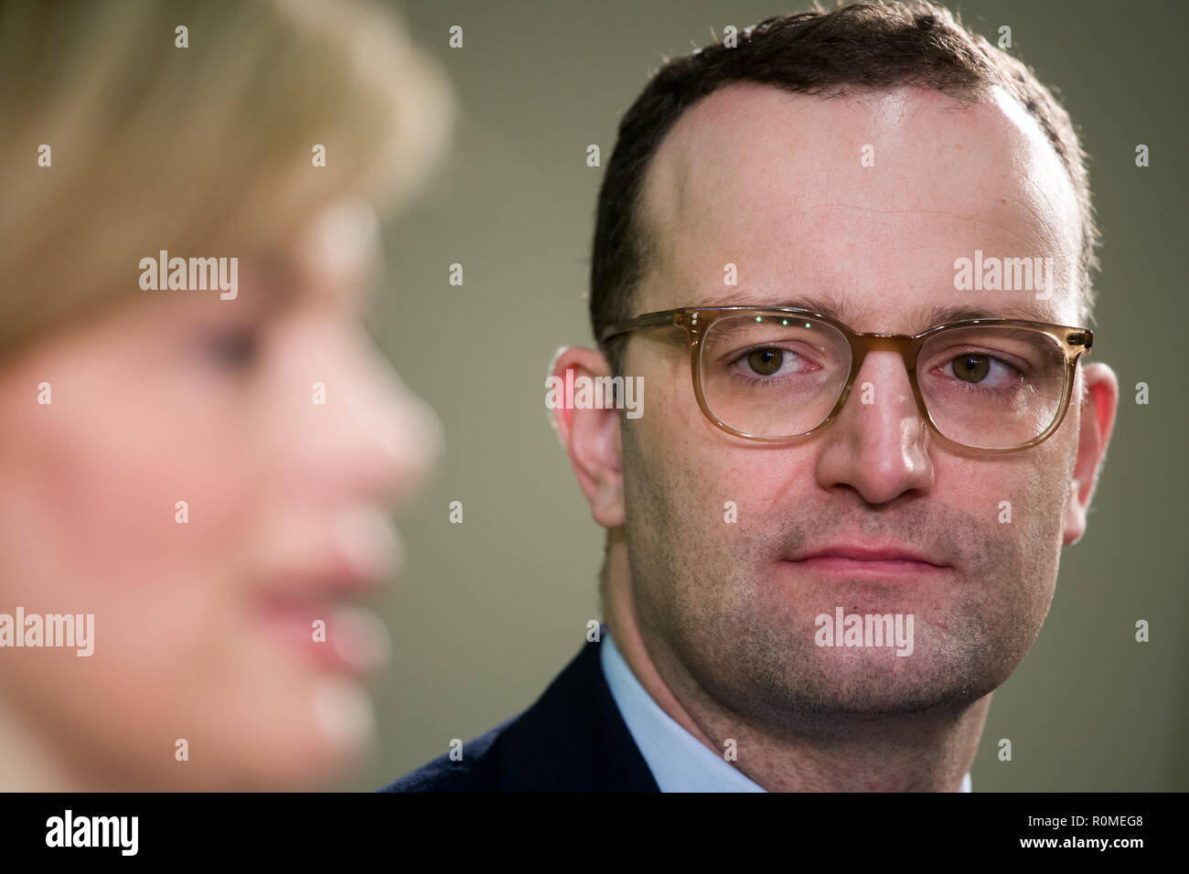 Berlin, Germany. 06th Nov, 2018. Jens Spahn (CDU), Federal Minister of Health, is at a press conference with Julia Klöckner (l, CDU), Federal Minister of Food and Agriculture, on the occasion of the presentation of a study by the German Nutrition Society on cost and price structures in school catering at the Federal Congress on School Catering. More than three million pupils at all-day schools eat lunch every day at school. Credit: Bernd von Jutrczenka/dpa/Alamy Live News - Stock Image