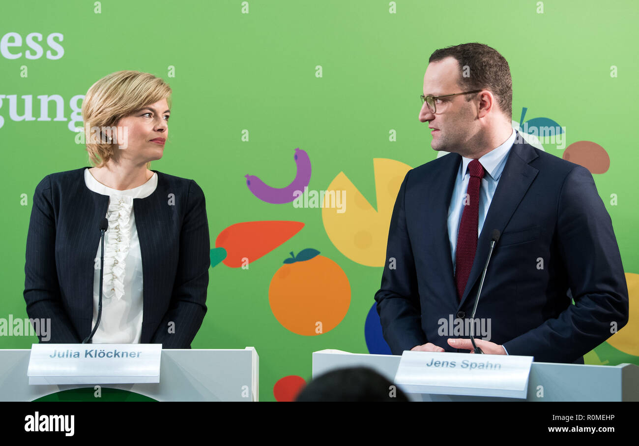 Berlin, Germany. 06th Nov, 2018. Jens Spahn (r, CDU), Federal Minister of Health, and Julia Klöckner (CDU), Federal Minister of Food and Agriculture, speak at a press conference at the Federal Congress on School Catering on the occasion of the presentation of a study by the German Society for Nutrition on cost and price structures in school catering. More than three million pupils at all-day schools eat lunch every day at school. Credit: Bernd von Jutrczenka/dpa/Alamy Live News - Stock Image