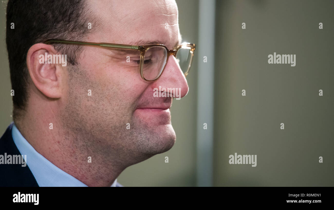 Berlin, Germany. 06th Nov, 2018. Jens Spahn (CDU), Federal Minister of Health, is at a press conference with Federal Minister of Agriculture Klöckner on the occasion of the presentation of a study by the German Society for Nutrition on cost and price structures in school catering at the Federal Congress on School Catering. More than three million pupils at all-day schools eat lunch every day at school. Credit: Bernd von Jutrczenka/dpa/Alamy Live News - Stock Image