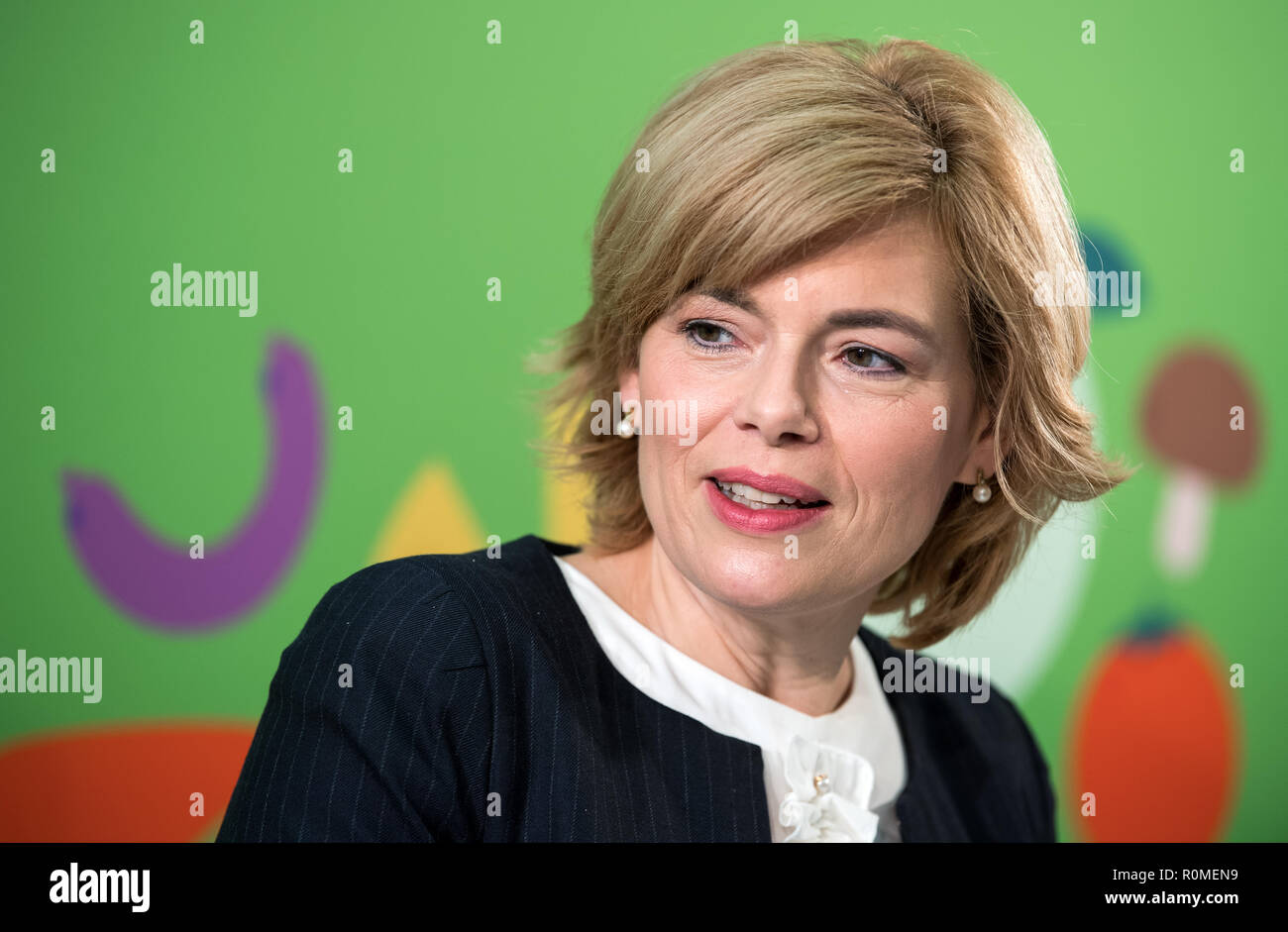 Berlin, Germany. 06th Nov, 2018. Julia Klöckner (CDU), Federal Minister of Food and Agriculture, spoke at a press conference with Federal Health Minister Spahn on the occasion of the presentation of a study by the German Society for Nutrition on cost and price structures in school catering at the Federal Congress on School Catering. More than three million pupils at all-day schools eat lunch every day at school. Credit: Bernd von Jutrczenka/dpa/Alamy Live News - Stock Image