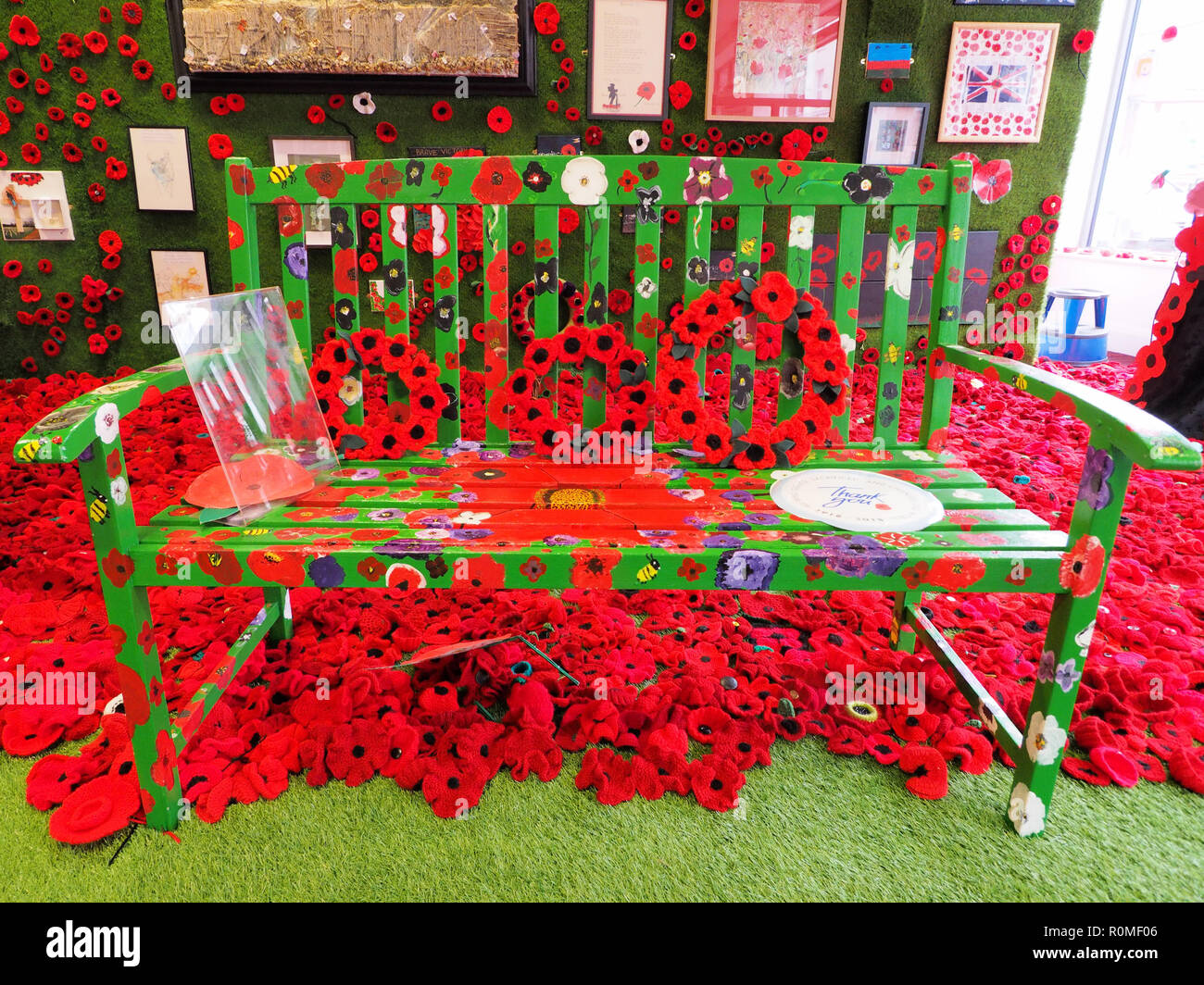 Sheerness, Kent, UK. 6th Nov, 2018. Thousands of knitted poppies are