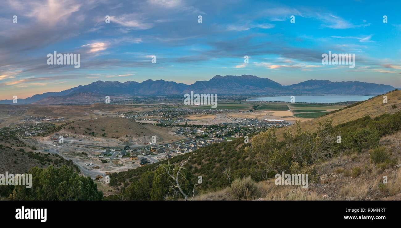 Eagle Mountain valley with mountain and lake view - Stock Image