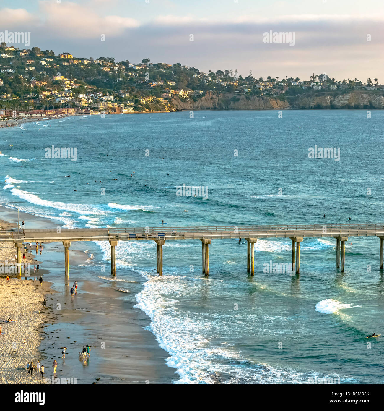 Scripps Pier and coastal homes in San Diego CA - Stock Image