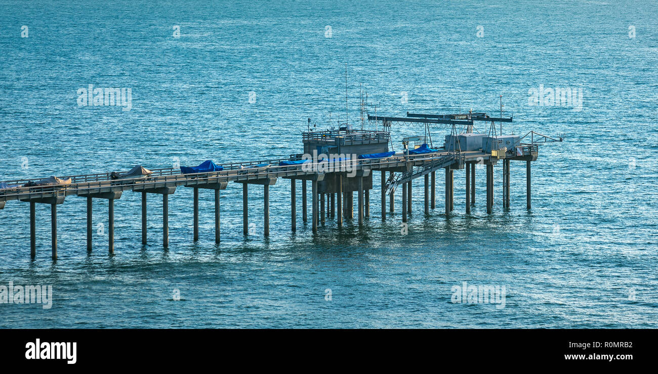 Scripps Pier and Pacific Ocean in San Diego CA - Stock Image