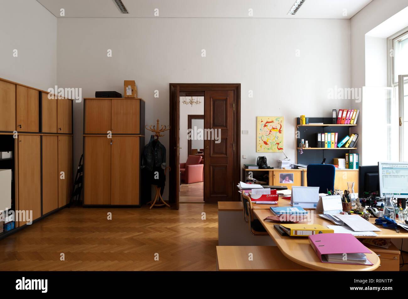 Wien, Finanzamt für den 8., 16., 17. Bezirk, Josefstädterstraße 39, Palais Strozzi Stock Photo