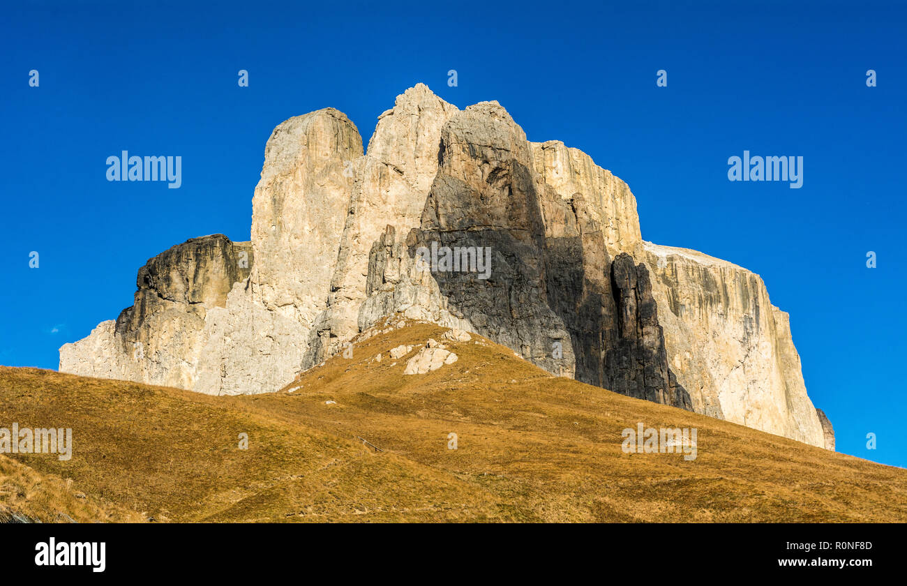 autumn view of the mountain from the Sella Pass. Its connects the Gardena Valley in South Tyrol and Canazei in the Fassa Valley in Trentino, Italy. Stock Photo