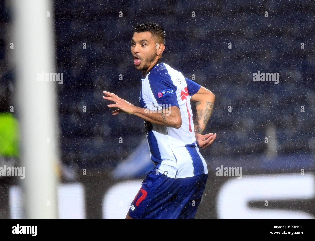 c035f53df3a7e Porto, Portugal. 6th Nov, 2018. Jesus Corona of Porto celebrates scoring  during