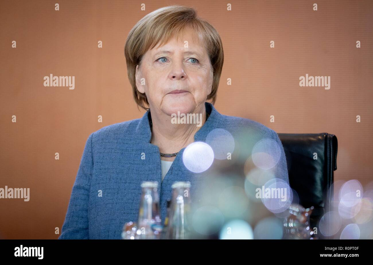 Berlin, Germany. 07th Nov, 2018. Chancellor Angela Merkel (CDU) attends the Federal Cabinet meeting at the Federal Chancellery. Credit: Kay Nietfeld/dpa/Alamy Live News - Stock Image