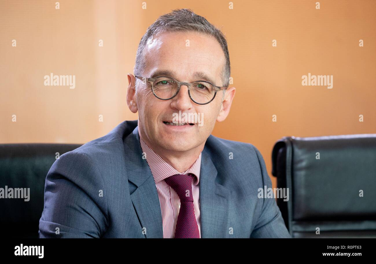 Berlin, Germany. 07th Nov, 2018. Heiko Maas (SPD), Foreign Minister, attends the Federal Cabinet meeting at the Federal Chancellery. Credit: Kay Nietfeld/dpa/Alamy Live News - Stock Image