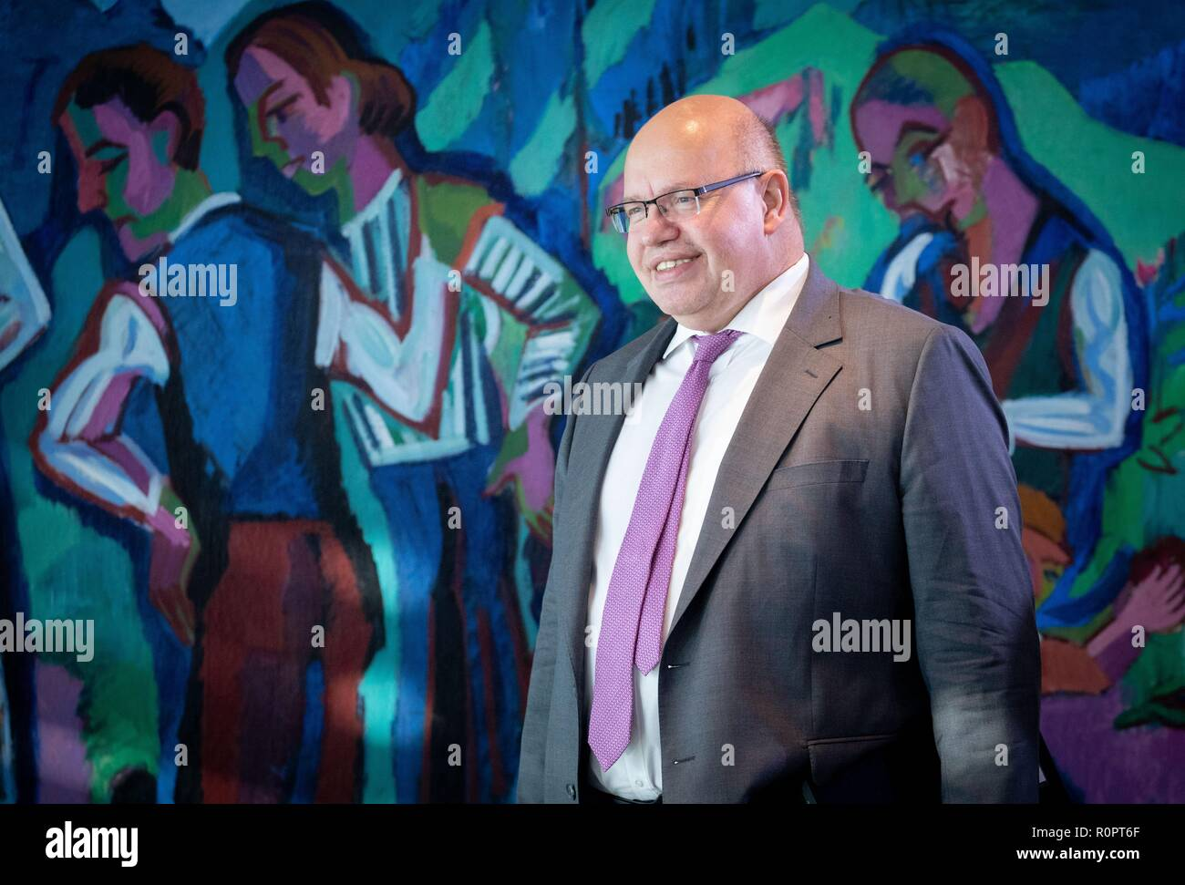 Berlin, Germany. 07th Nov, 2018. Peter Altmaier (CDU), Federal Minister of Economics and Energy, attends the Federal Cabinet meeting at the Federal Chancellery. Credit: Kay Nietfeld/dpa/Alamy Live News - Stock Image